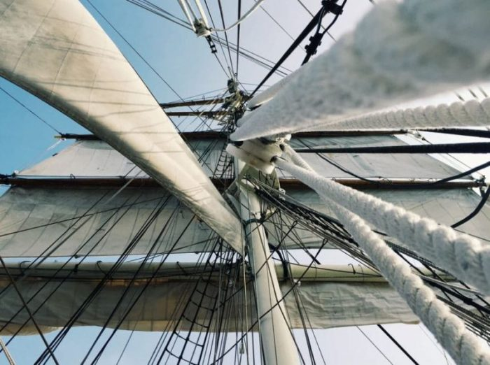 RockmusicRaider - Cloudflare - Mast with canvas sails